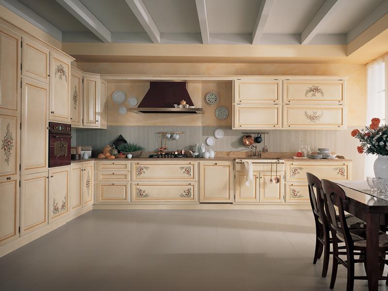 Cucina personalizzata in legno bianca realizzata completamente su misura