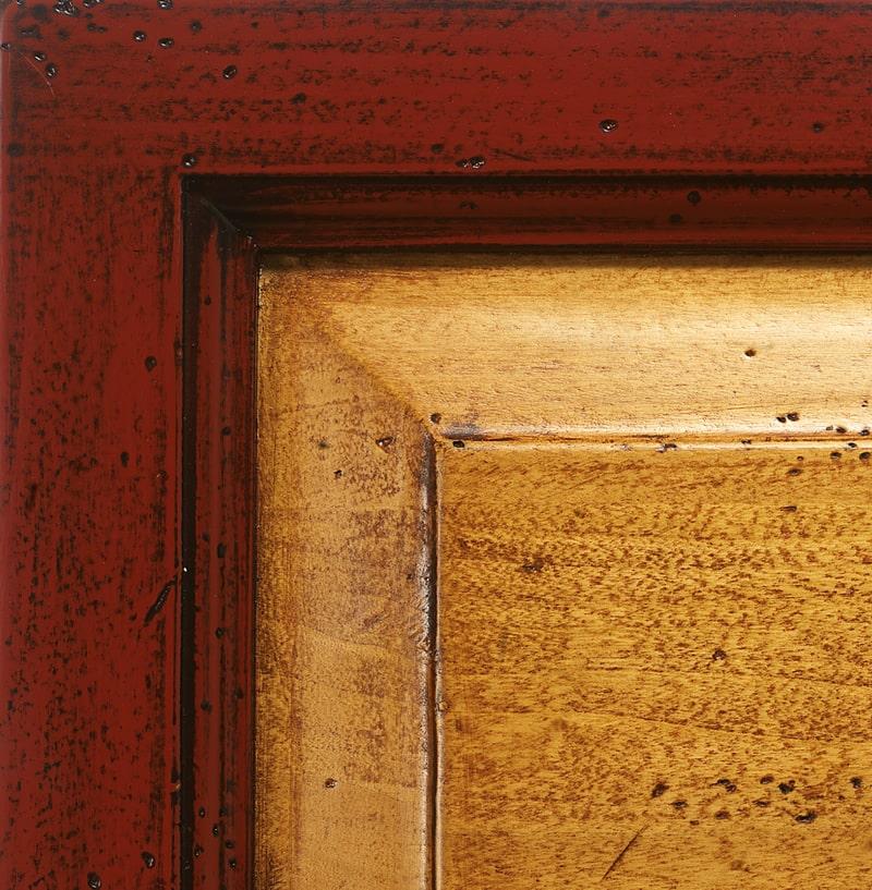 Laccato rosso fuoco spento/paglia antiquariato '700