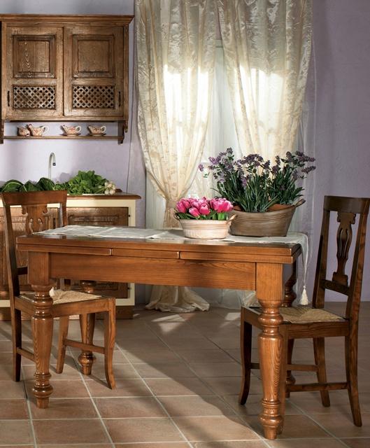 Tavolo allungabile con spianatoia