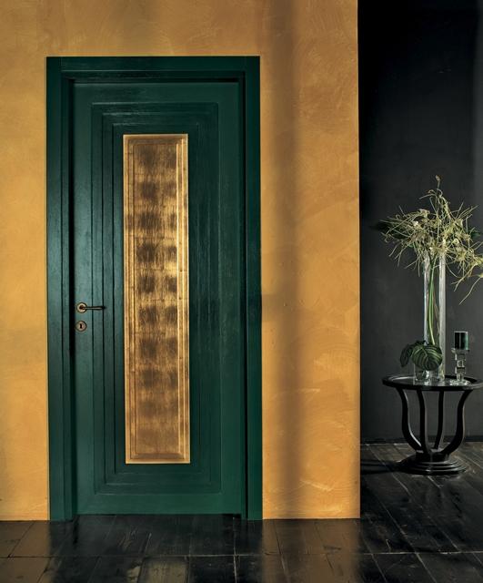 Porta rivestita in foglia oro